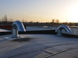 luchttoevoer vanop dak